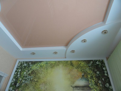 Дизайн интерьера в Омске потолок